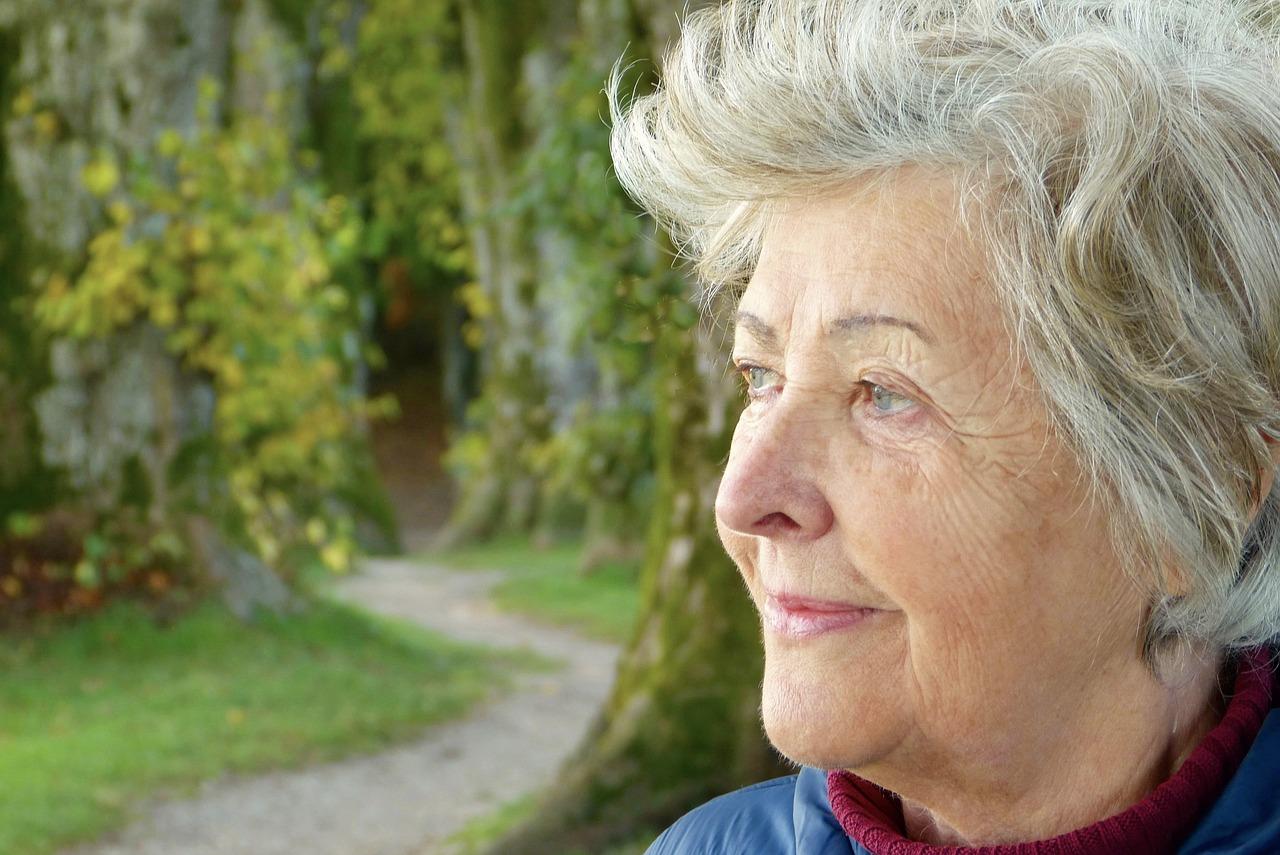 年金はいつからもらえる?51歳以下の女性の受給年齢は65歳から【2018年3月版】